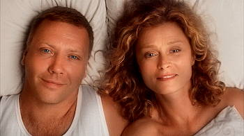 Mikael Persbrandt och Lena Endre. Foto: SF Film.