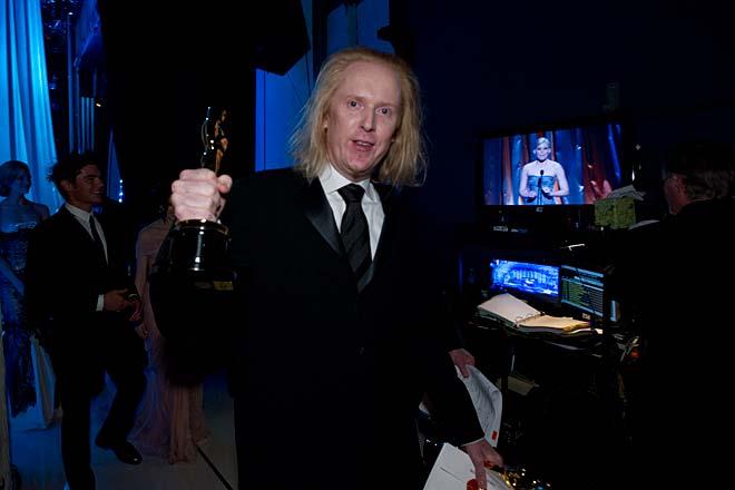 Paul N.J. Ottosson med sina två Oscar. Foto: A.M.P.A.S.